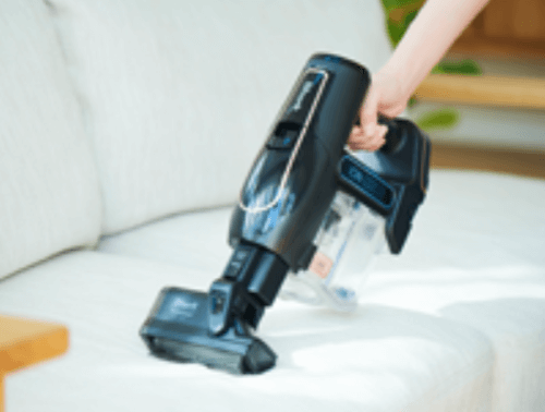 EVOFLEXのミニモーターヘッドでソファーを掃除する