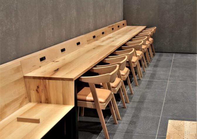 新潟駅の待合室、新潟のインテリアショップ・家具屋さん