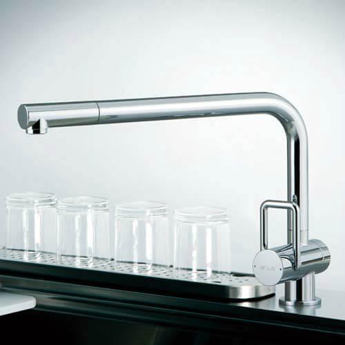 メタルホース付シングルレバ−混合水栓 クロームTOYO KITCHEN STYLE