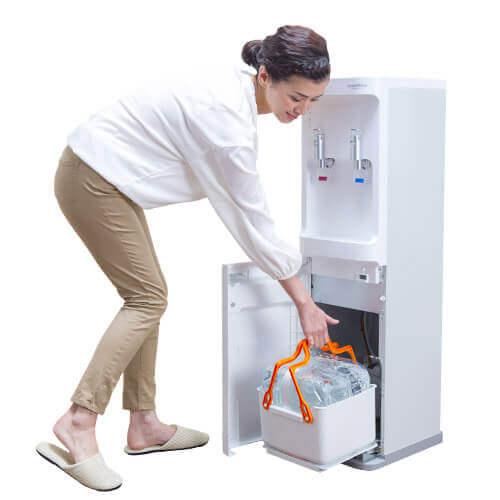コスモウォーターの足元ボトル交換、ウォーターサーバーの選び方