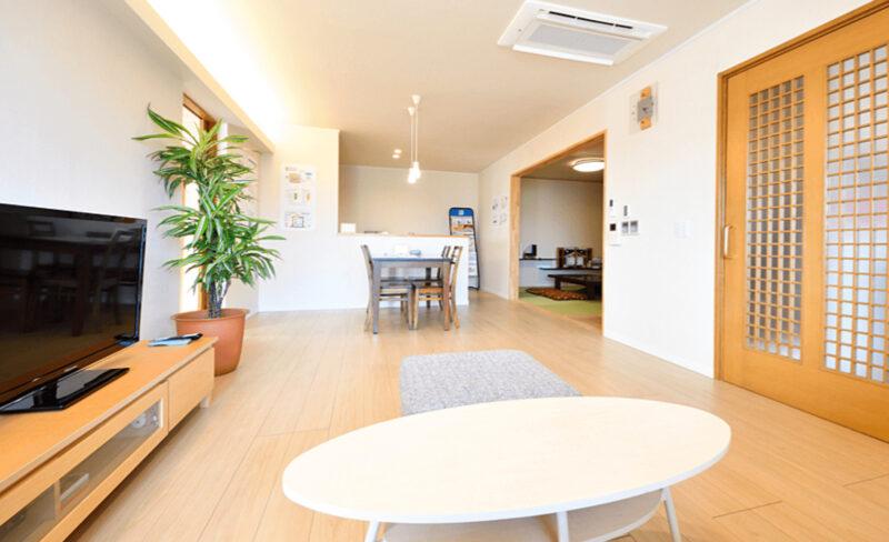 二世帯リビングルーム、光栄住宅に新潟の家づくりを依頼する
